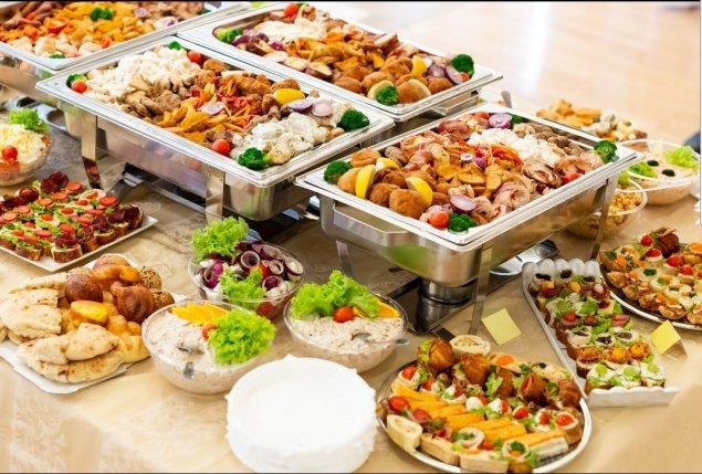 Hauptgerichte + Vorspeisen + Dessert (Kombi III)