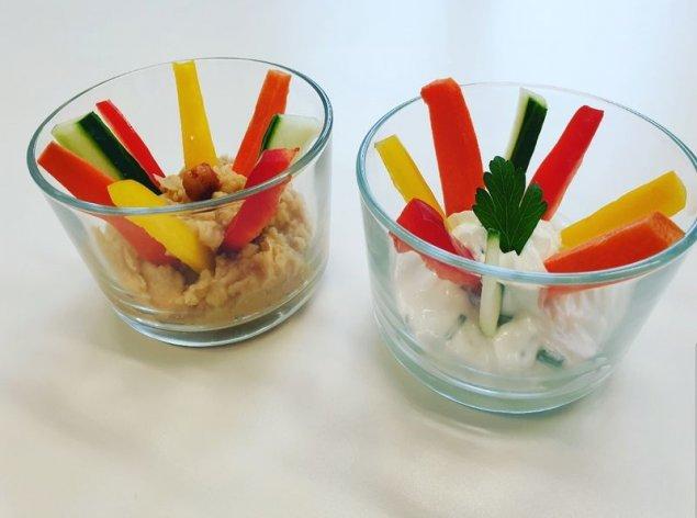 Gemüse-Sticks mit Dips