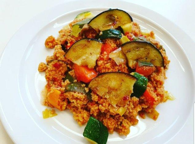 Orientalische Quinoa-Gemüse-Pfanne