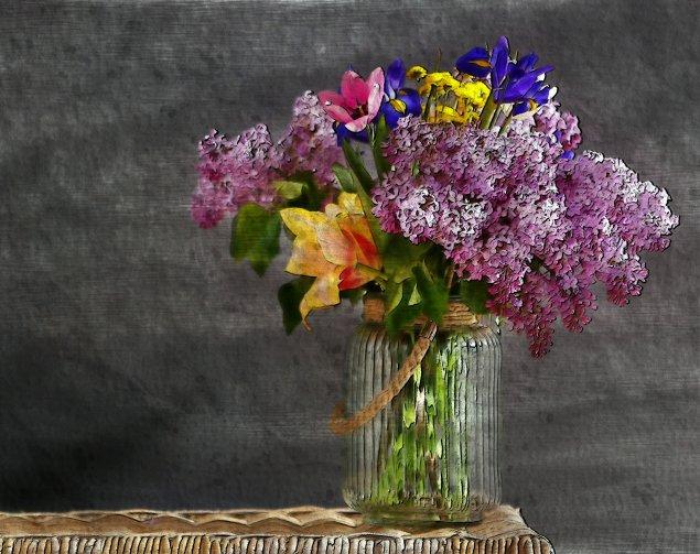 Blumenstrauß im Glasgefäß