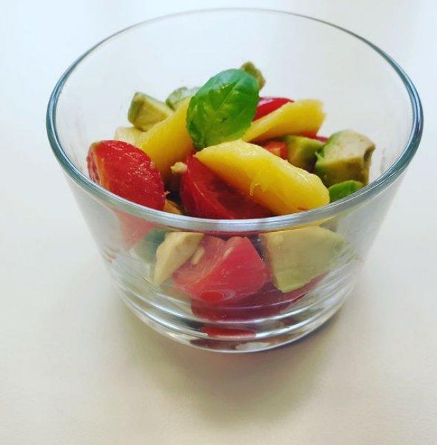 Mini Tomaten-Avocado-Salat