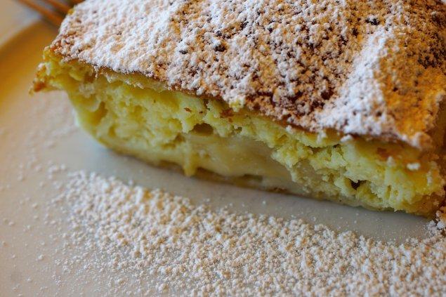 Quark-Grieß-Auflauf mit Pfirsichen
